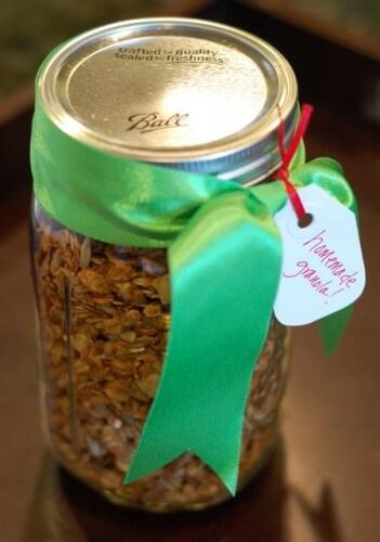 Homemade Granola for the Holidays