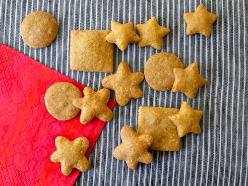 Whole Wheat Cheddar Wafers