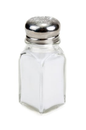 Glass saltcellar with salt insulated