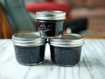 Guest Post: Honey Sweetened Blueberry Jam (from Food in Jars)