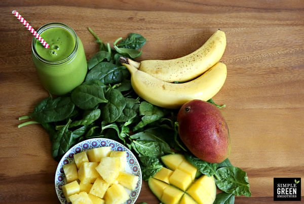 Top Posts of 2016 - How to Make a Perfect Green Smoothie on 100 Days of Real Food