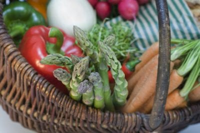 """12 Easy Ways to """"Go Green"""" at the Grocery Store on 100 Days of #RealFood"""