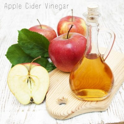 Apple cider vinegar promotes hair growth and cleanses hair naturally