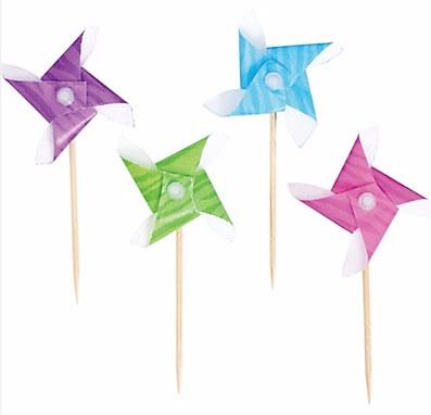 School Lunch Accessories on 100 Days of #RealFood (pinwheel food picks)