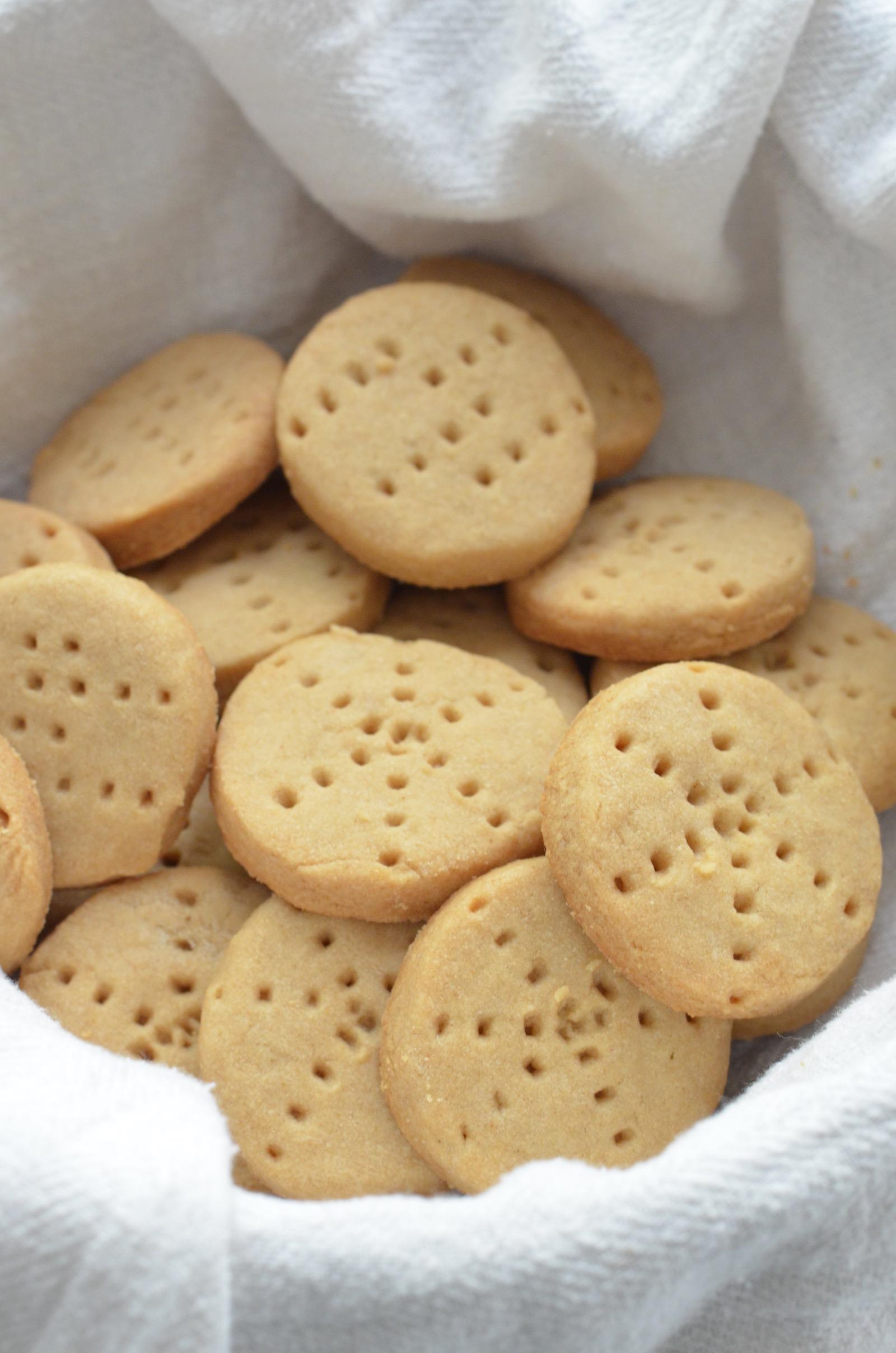 Close-up Almond Maple Shortbread Cookies